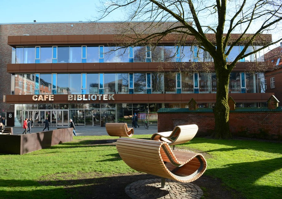 Herning Library – the library as a community centre - MODEL PROGRAMME FOR PUBLIC LIBRARIES